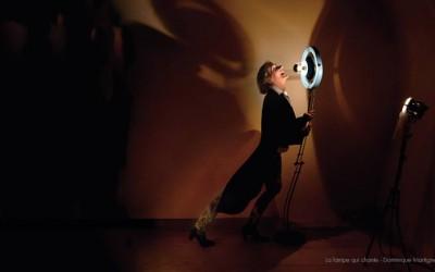 The lamp that sings / La lampe qui chante